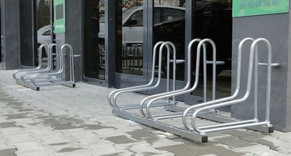 Soportes metálicos para bicicletas