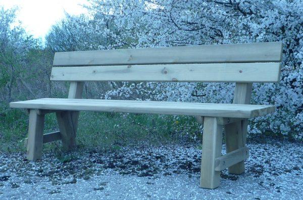 Mobiliario de madera para exteriores
