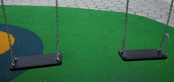 Asientos para parques infantiles con cadenas