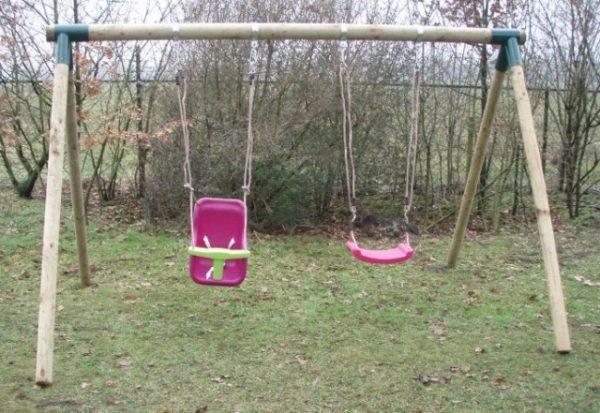 Columpios infantiles para parques y jardín. Accesorios para niños