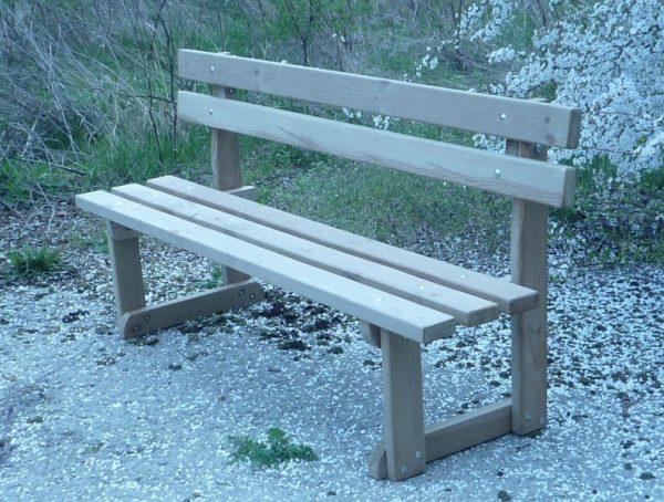 Banco rustico madera tratada. Banquetas de pino nórdico con respaldo, tratadas en autoclave. Para mobiliarios de jardín, parques, zonas al aire libre.