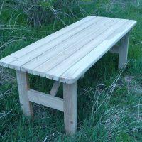 Mesa de madera tratada para jardin