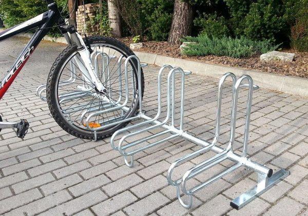 Parking bicicletas exteriores. Aparcabicis acero galvanizado. Venta de mobiliario urbano de uso público para exteriores. Soportes para bici.